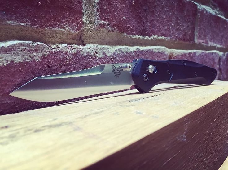 Benchmade - When I first got this knife some time ago, I couldn't quite drink the kool-aide. After carrying for several weeks, like a Monkee, I'm a believer. #benchmade...